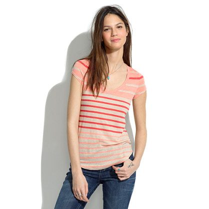 Linen V-Neck Tee in Jumpstripe