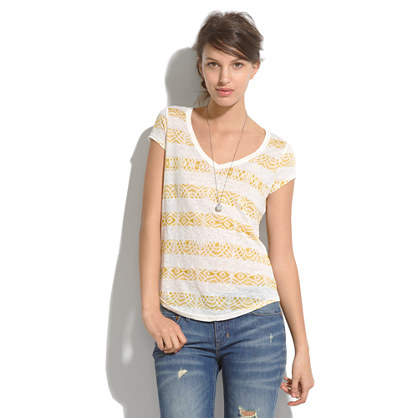 Linen V-Neck Tee in Laceprint