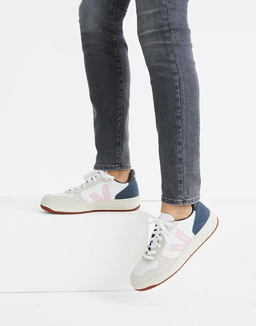 Polar chorro Detectar  Madewell x Veja™ Leather V-10 Lace-Up Sneakers in White with Pink and Navy  Accents