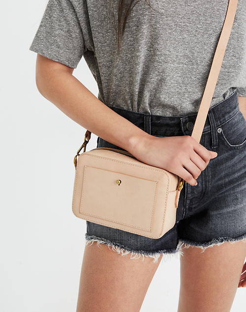 Vachetta Leather Transport Camera Bag | Madewell | Crossbody bag for travel | Cute Crossbody Bags To Match Your Outfits | Cute Outfits