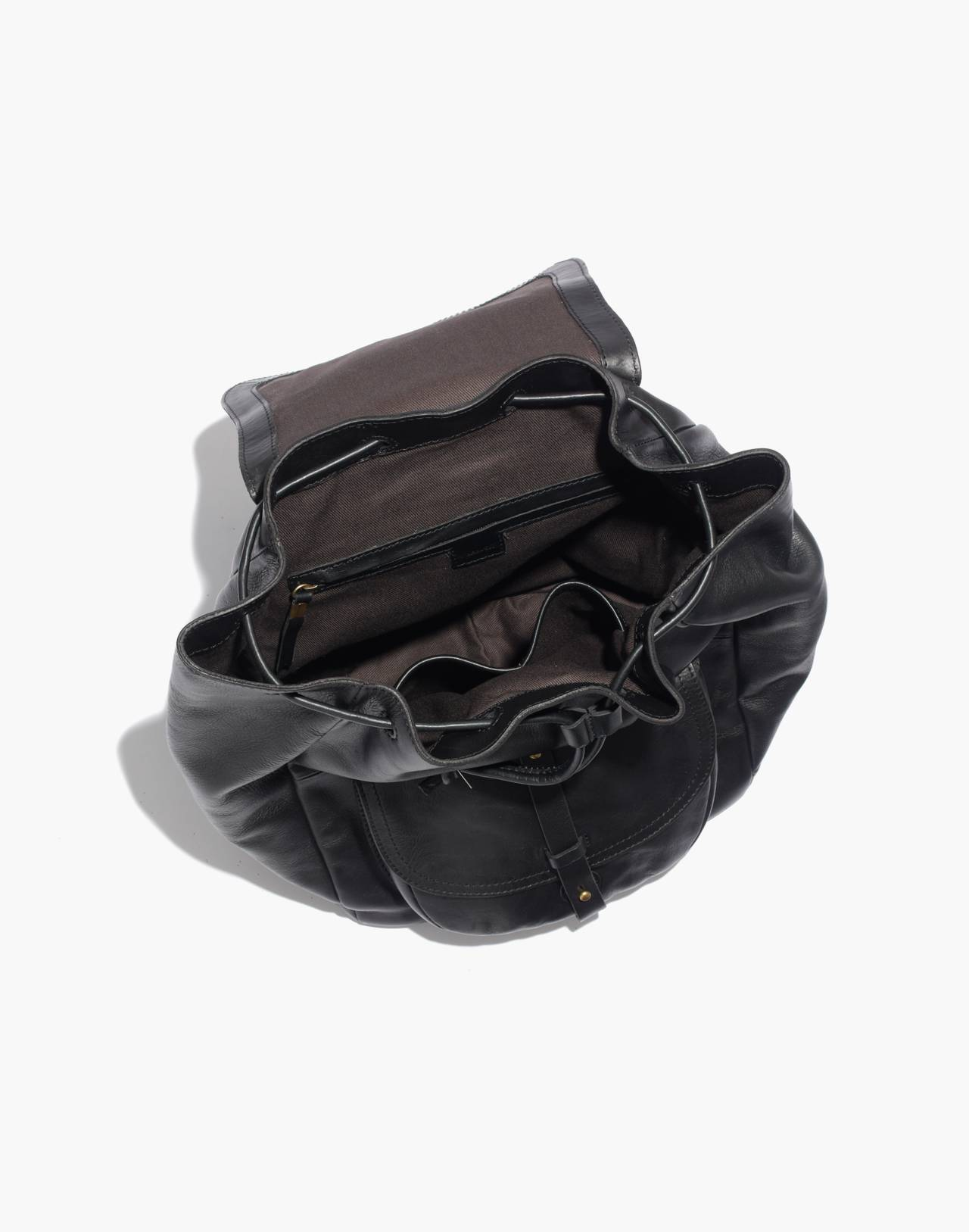 The Transport Rucksack in true black image 3