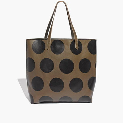 The Transport Tote in Softdot
