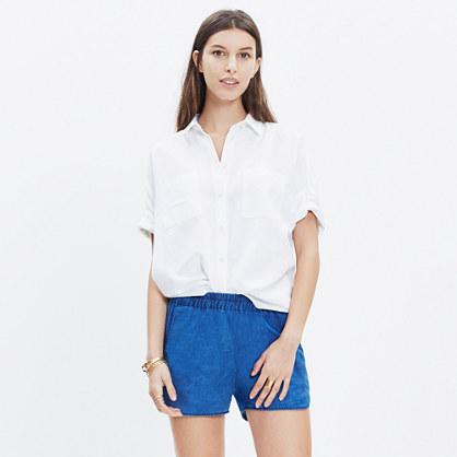 Pull-On Shorts in Indigo Linen