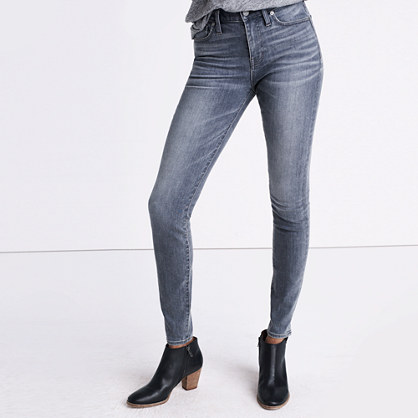"9"" High-Rise Skinny Jeans in Shaw Wash"