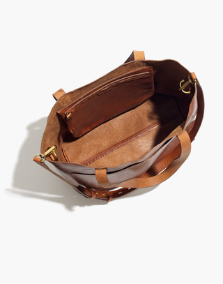 The Medium Transport Tote in english saddle image 3