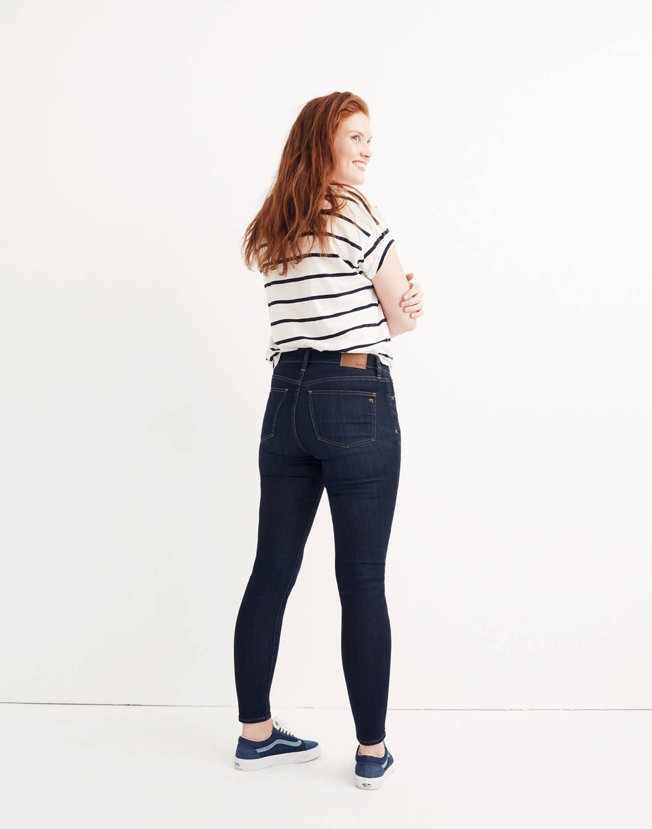 "Petite 9"" High-Rise Skinny Jeans in Larkspur Wash: Tencel™ Edition in larkspur image 3"