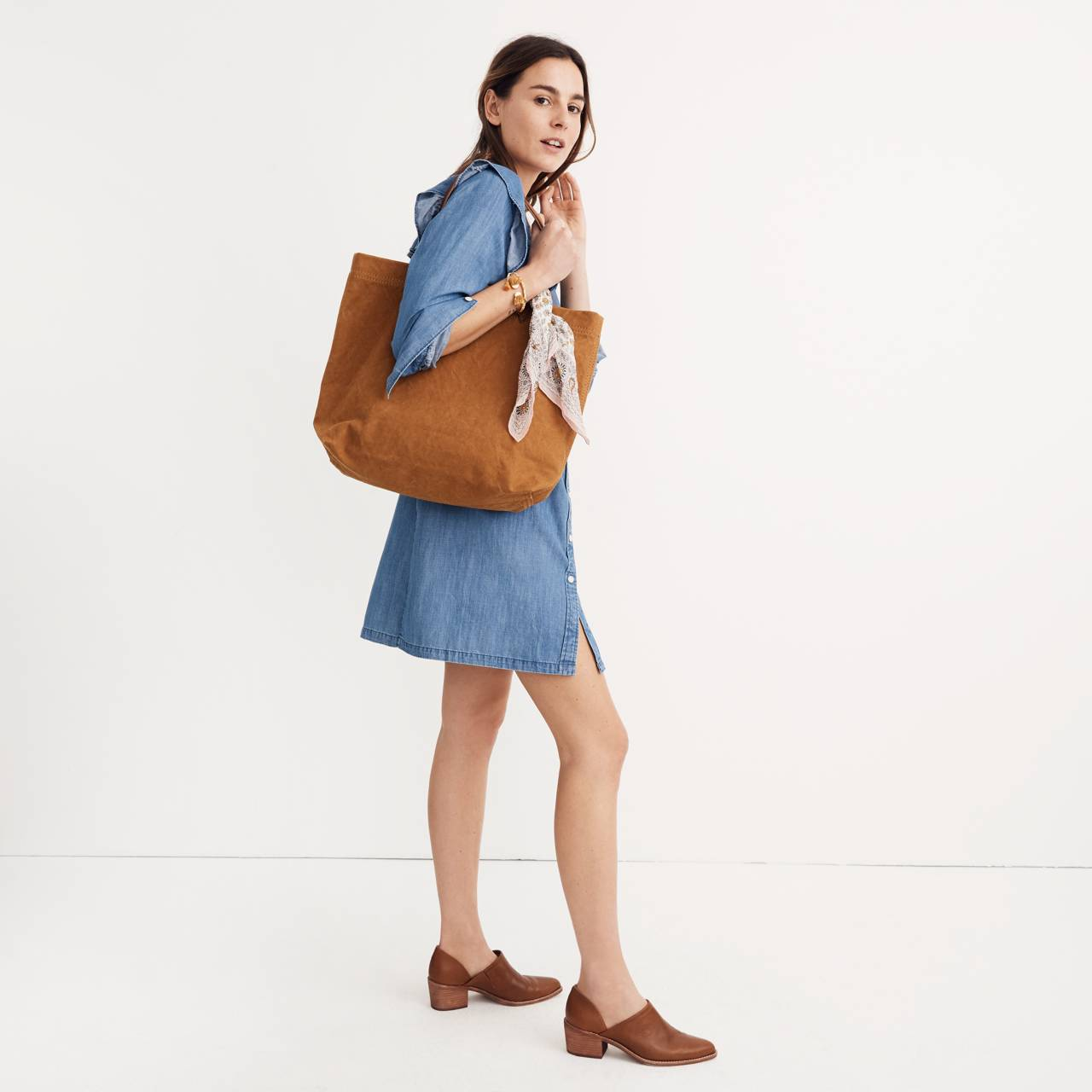 The Canvas Transport Tote in acorn image 2