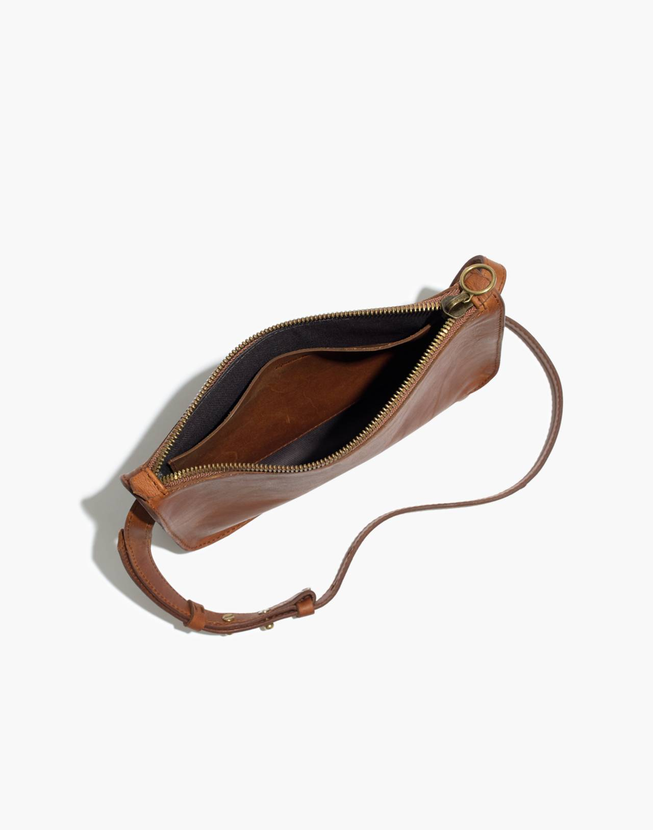 The Simple Crossbody Bag in english saddle image 3