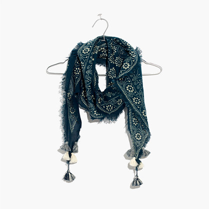 Diamond-Shaped Scarf in Bandana Batik
