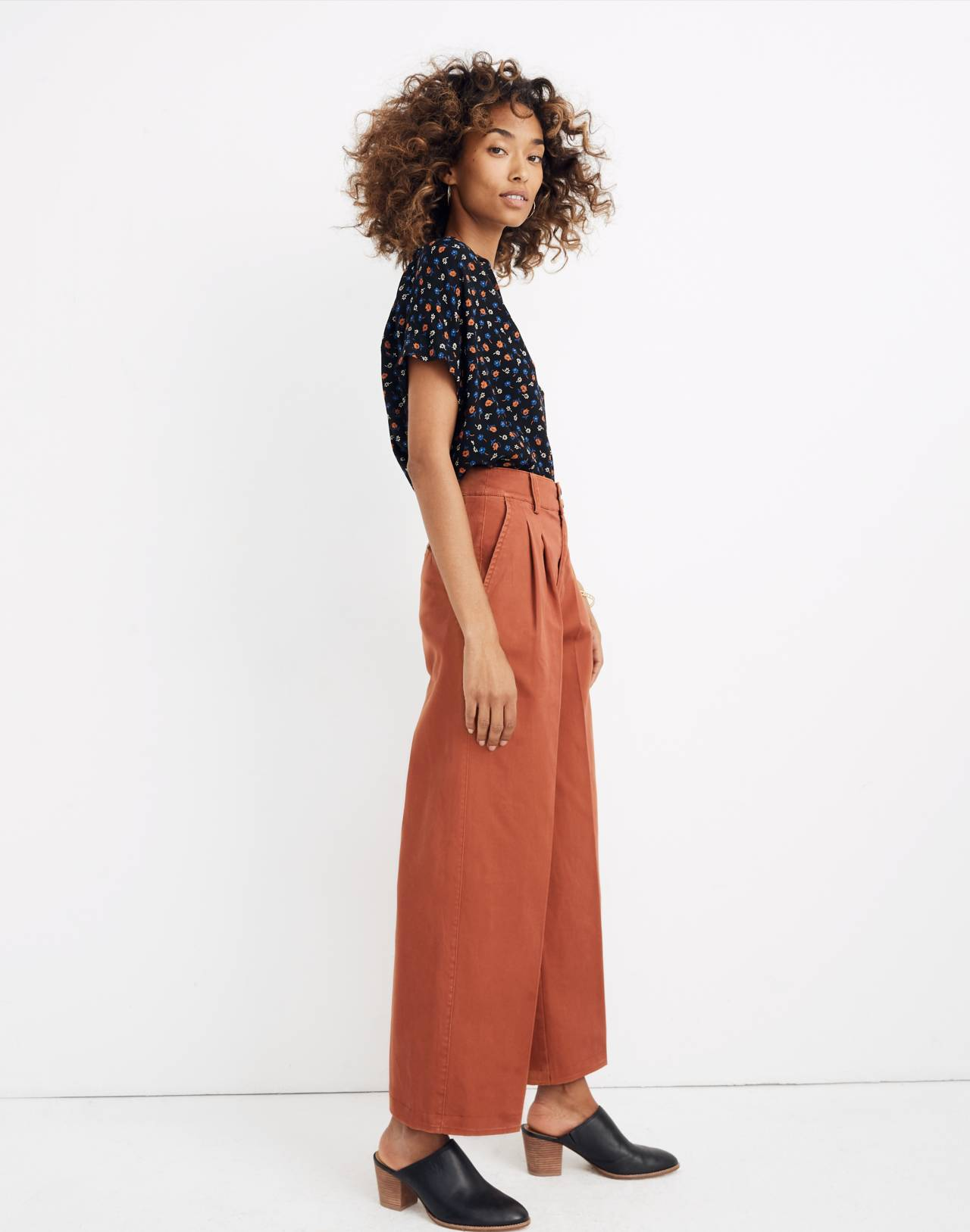 Pleated Wide-Leg Pants in afterglow red image 2