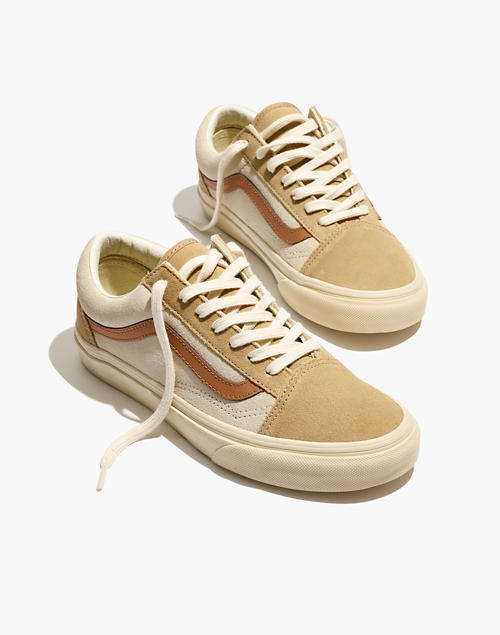 16a28ca6e2 Madewell x Vans reg  Unisex Old Skool Lace-Up Sneakers in Camel Colorblock  in camel