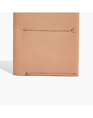 The Leather Passport Case in linen image 2