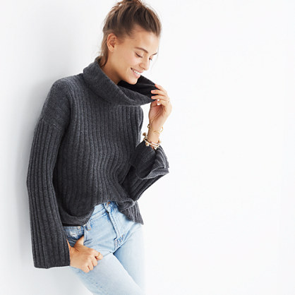Cashmere Slit-Sleeve Turtleneck Sweater