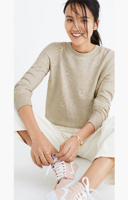 Daisy Embroidered Mainstay Sweatshirt