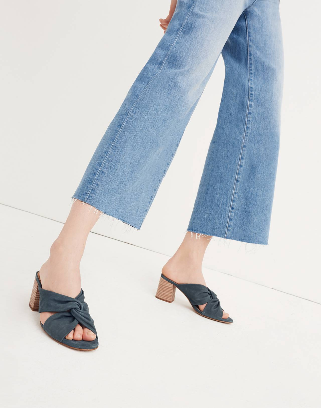 Tall Wide-Leg Crop Jeans: Button-Front Edition in martina wash image 3