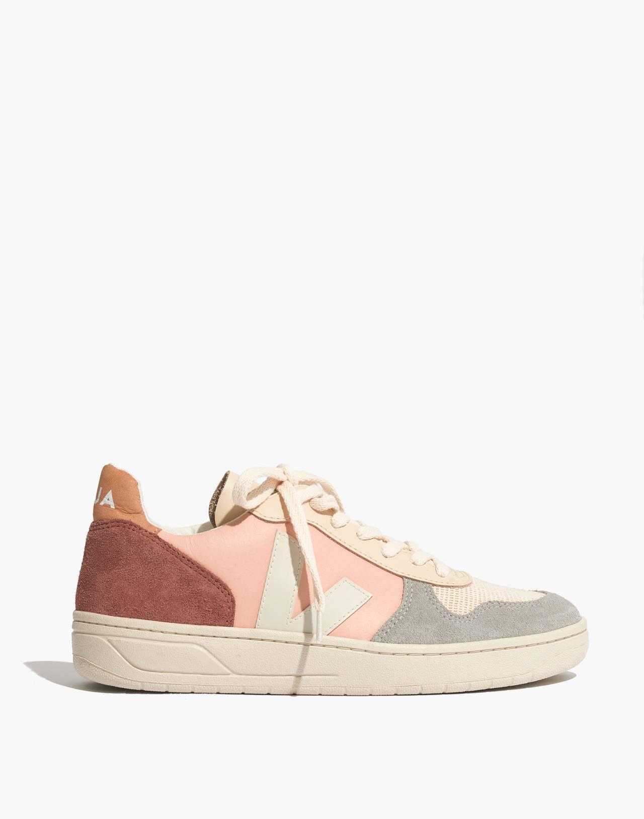 Veja™ V-10 Sneakers in Colorblock in nude multi image 3