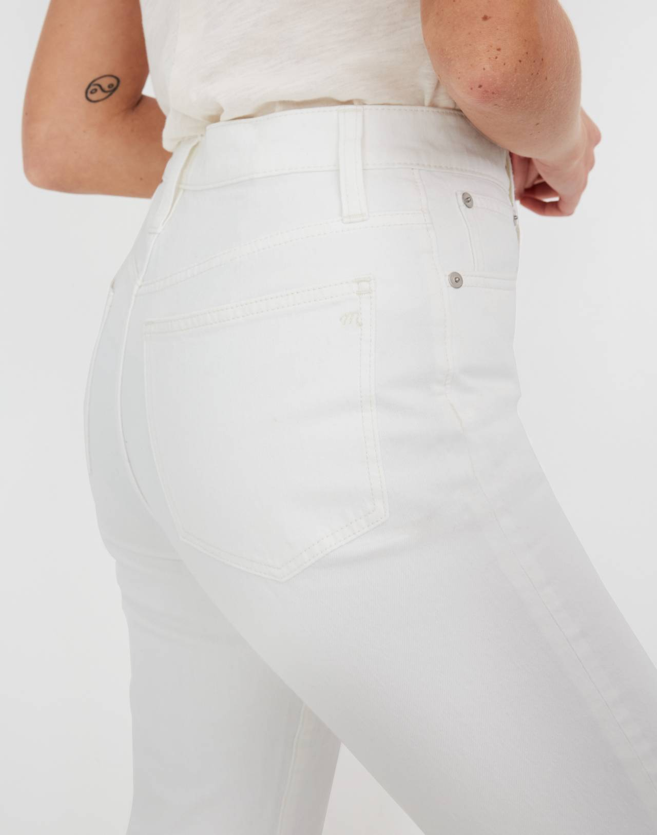 Classic Straight Jeans in Tile White in tile white image 2