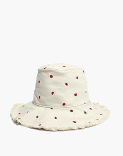 Canvas Bucket Hat in Fresh Strawberries