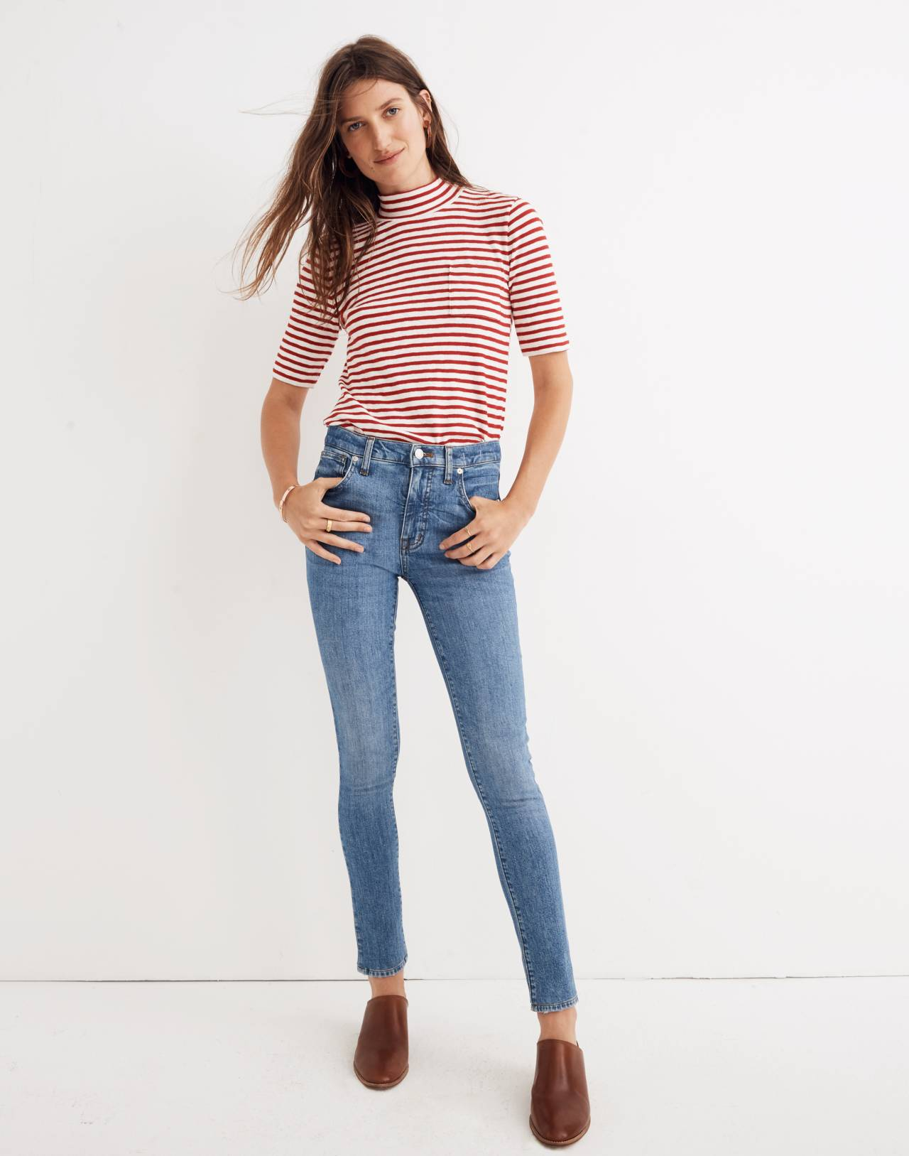 "Petite 9"" High-Rise Skinny Jeans in Comfort Stretch: Eco Edition in regina wash image 2"