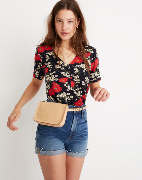 The Simple Pouch Belt Bag in linen image 4