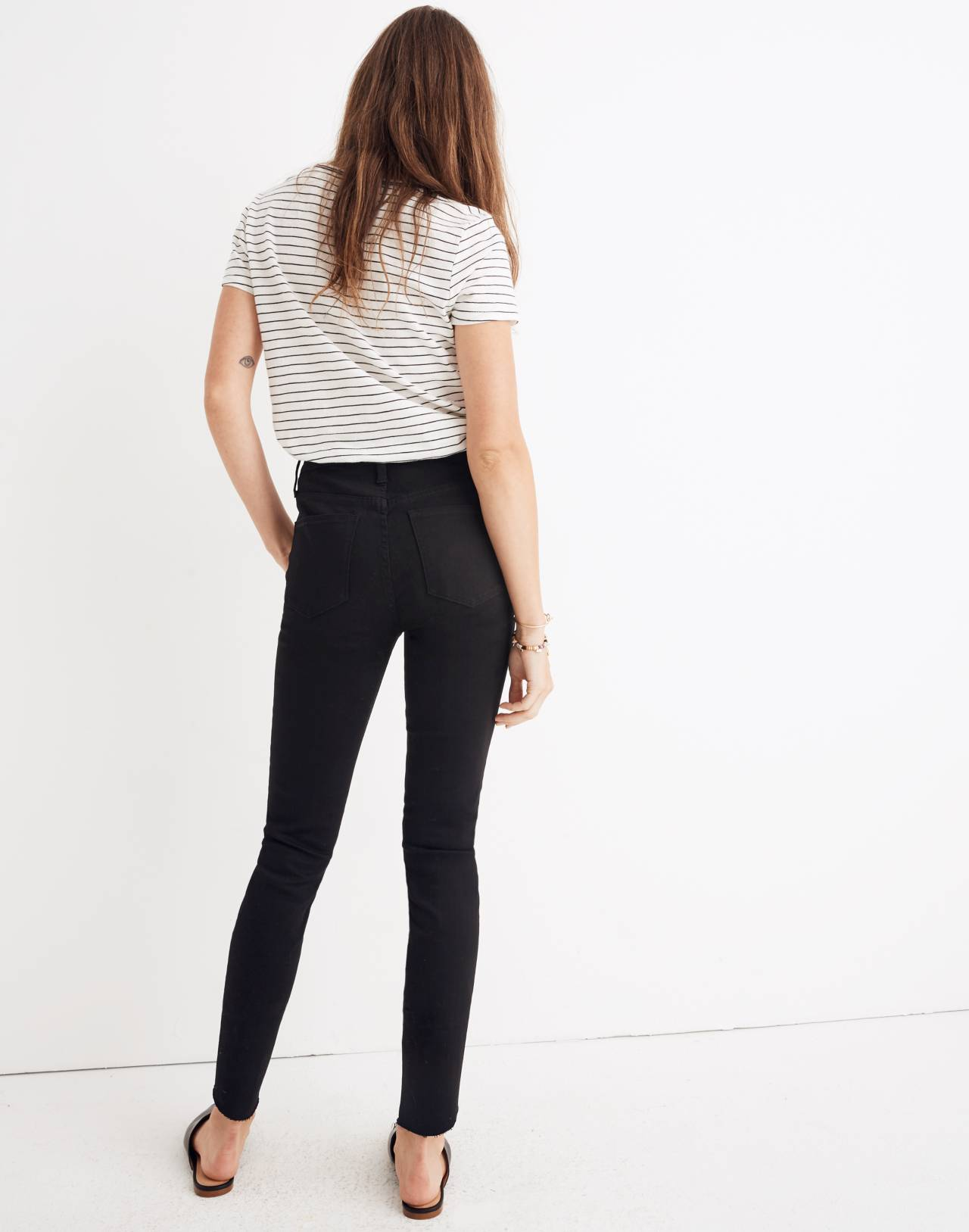 "Tall 10"" High-Rise Skinny Jeans: Tulip-Hem Edition in black frost image 3"