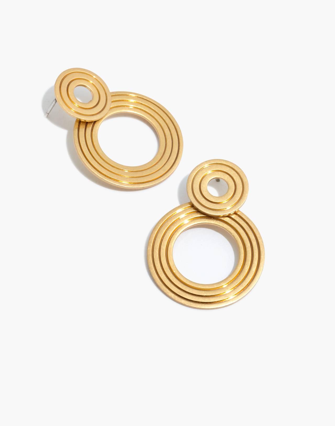 Etched Interlock Earrings in vintage gold image 1