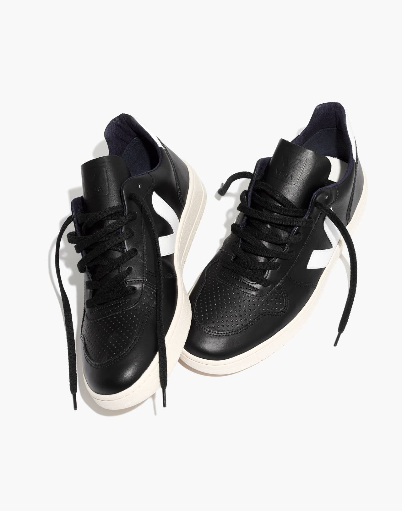 Veja™ Men's V-10 Sneakers in black white image 2