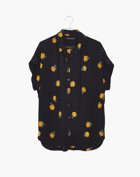 Drapey Central Shirt in Floating Florets in spaced classic black image 4