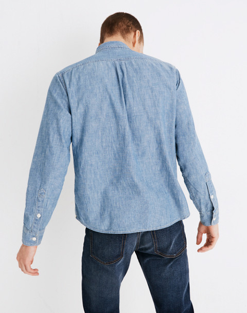 Chambray Button-Down Shirt in Lessing Wash in lessing wash image 3