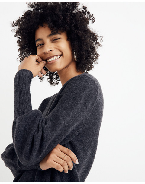 Dashwood V-Neck Sweater in Coziest Yarn in heather chimney image 2