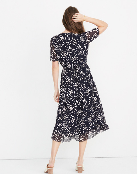 Ruffle-Edge Wrap Dress in Drifting Petals in paintbrush deep navy image 3