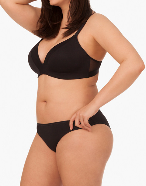 LIVELY™ All-Day Deep-V No-Wire Bra in black image 2