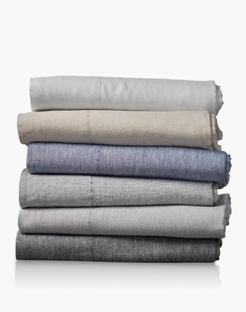 Coyuchi® Organic Linen Chambray Queen Sheet Set in blue image 3