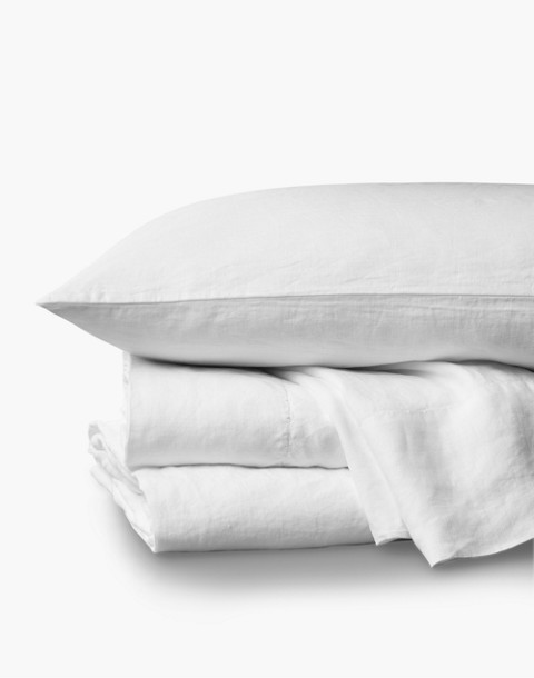 Coyuchi® Organic Linen Chambray Queen Sheet Set in white image 1