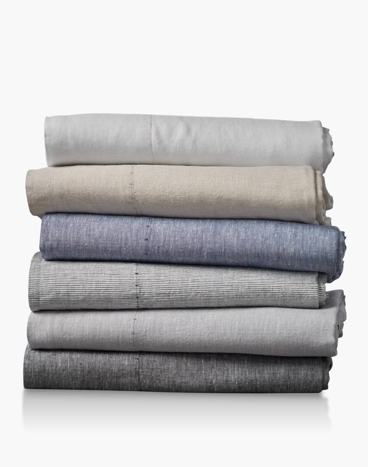 Coyuchi® Organic Linen Chambray Queen Sheet Set in white image 3