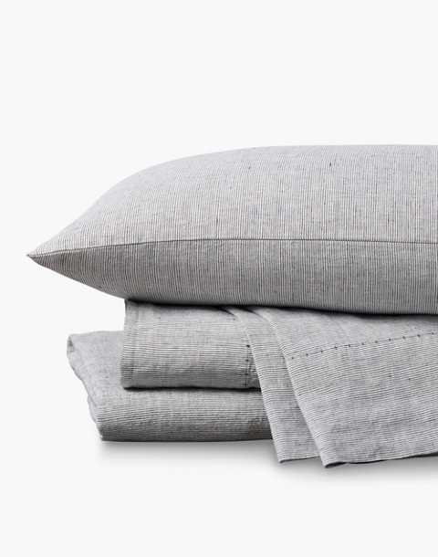 Coyuchi® Organic Linen Chambray Queen Sheet Set in gray image 1
