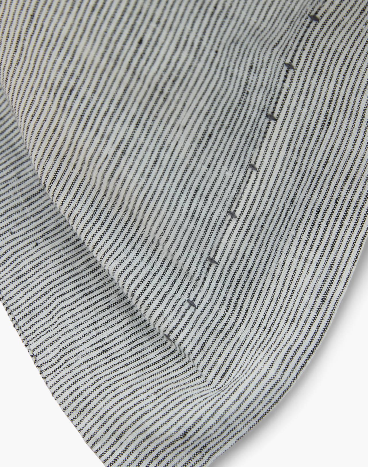 Coyuchi® Organic Linen Chambray Queen Sheet Set in gray image 2