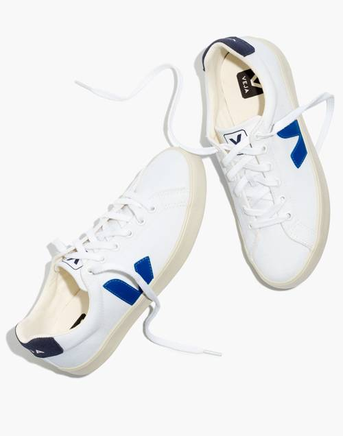 Veja™ Canvas Esplar Se Low Sneakers In White With Blue Accents by Madewell