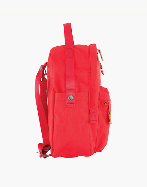 LOLA™ Mondo Escapist Large Backpack in red image 3