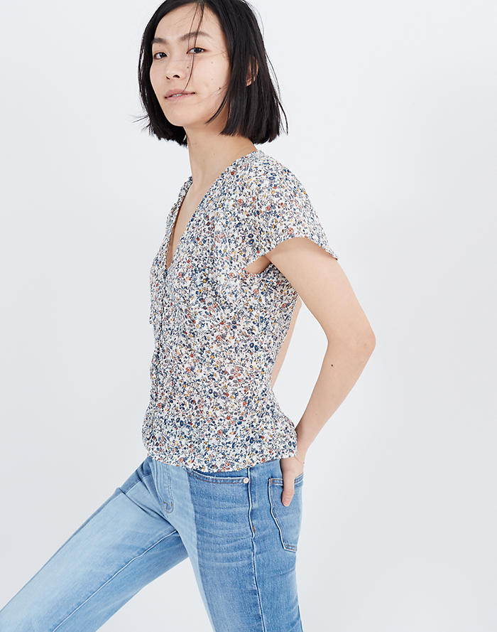 aef3b2dfc225 Carmelina Flutter-Sleeve Top in Blossoming Vines